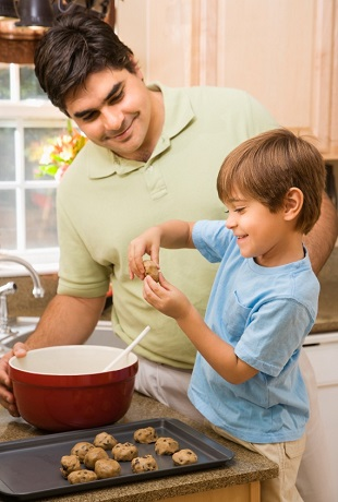 Dad bakes with child